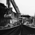 """Încă trei clădiri prea puțin """"monumentale"""" prin dimensiune au fost puse la pământ pe 12 octombrie, cu avizul PMB."""